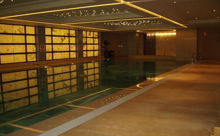 上海亚太新发展万豪酒店泳池