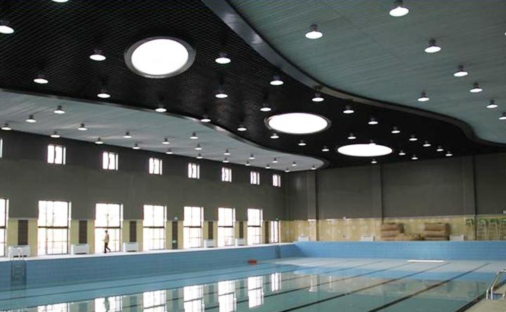 上海格致中学奉贤校区室内恒温泳池