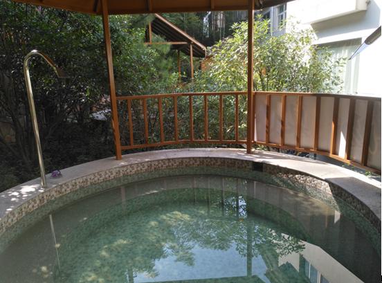 安吉美林度假村温泉