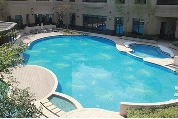 上海万科翡翠雅宾利样板房别墅泳池